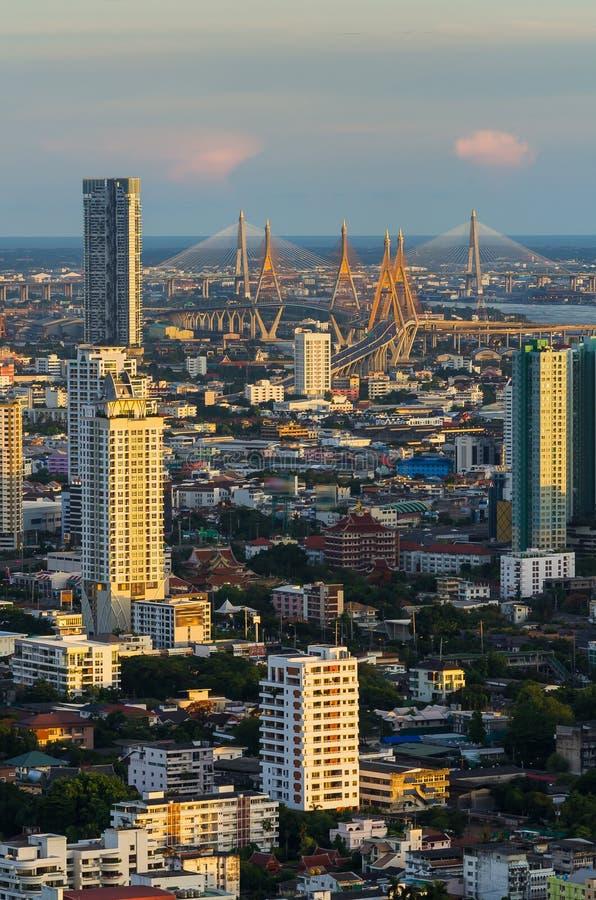 Ponte de Bhumibol na opinião superior de Tailândia foto de stock