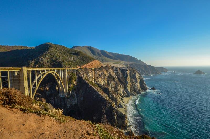 Ponte de Bixby, Costa do Pacífico, Califórnia imagens de stock