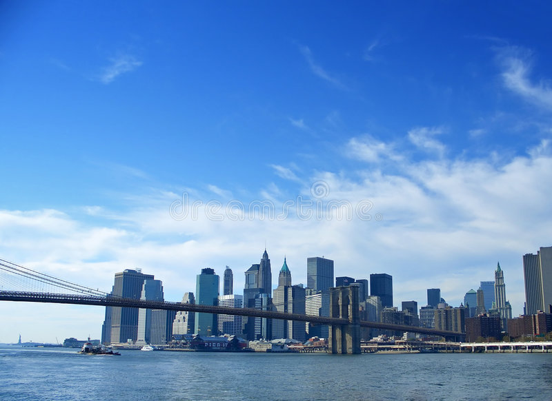 Ponte de Brooklyn e mais baixo Manhattan, New York fotos de stock