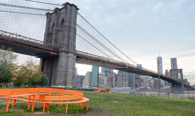Download Ponte De Brooklyn E Manhattan Do Centro No Por Do Sol, New York City Imagem de Stock - Imagem de novo, skyscraper: 107525307
