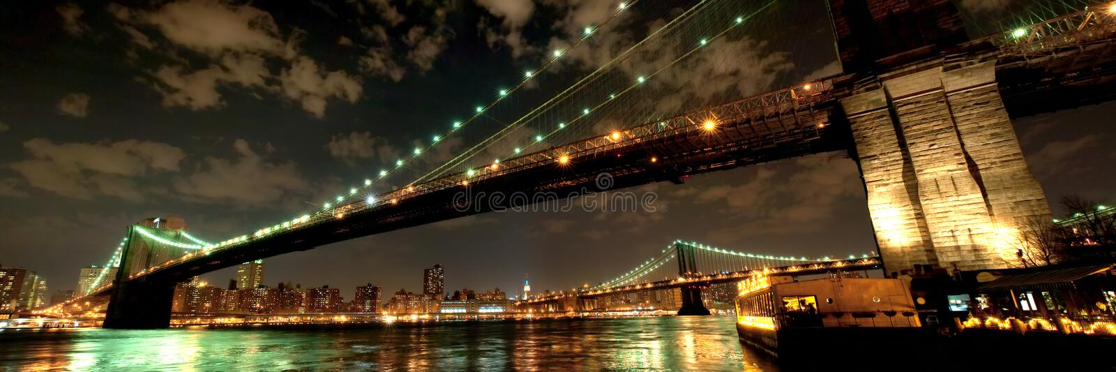 Ponte de Brooklyn no crepúsculo foto de stock