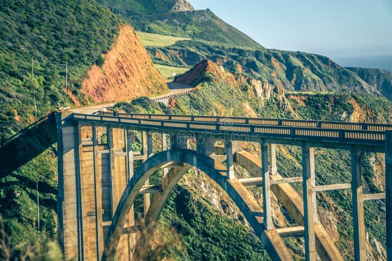 Ponte de Califórnia Bixby em Big Sur Monterey County na rota 1 fotos de stock