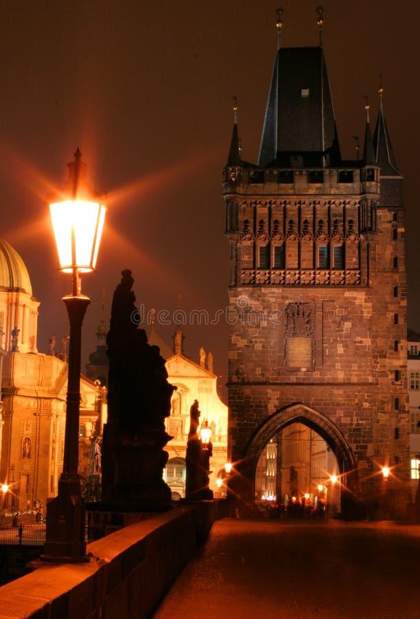 Ponte de Charles da noite foto de stock
