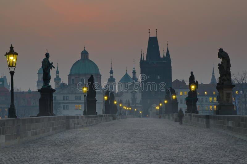 Ponte de Charles do nascer do sol, Praga, república checa imagens de stock royalty free