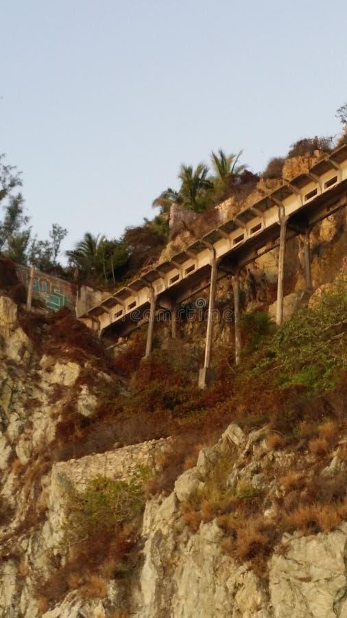 Ponte de Cliffside fotos de stock