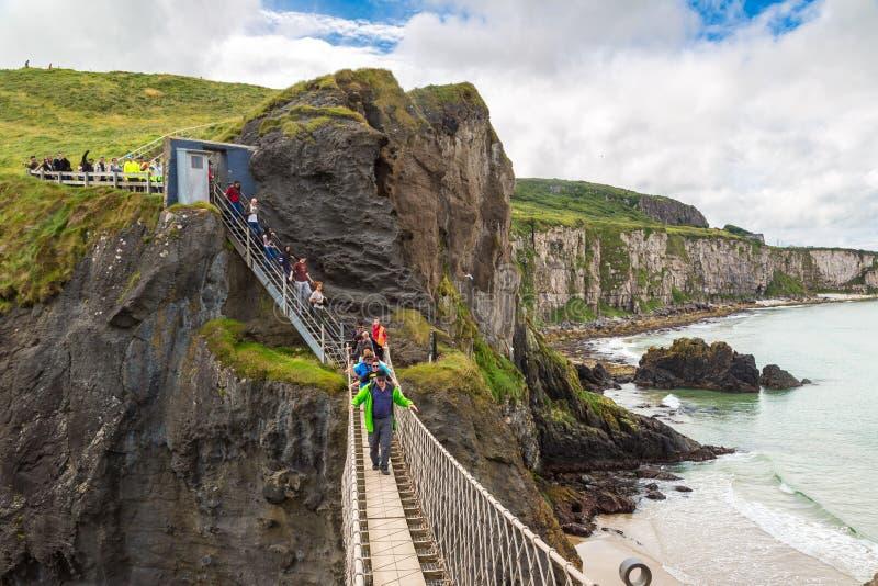 Ponte de corda de Carrick-a-Rede, Irlanda do Norte foto de stock