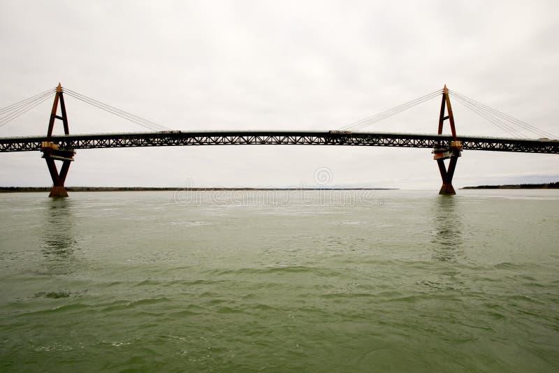 Ponte de Deh Cho, forte Providence, NWT, Canadá imagens de stock royalty free
