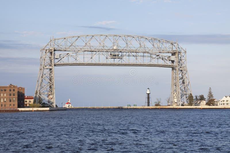 Download Ponte De Elevador De Duluth Foto de Stock - Imagem de farol, elevador: 10064890