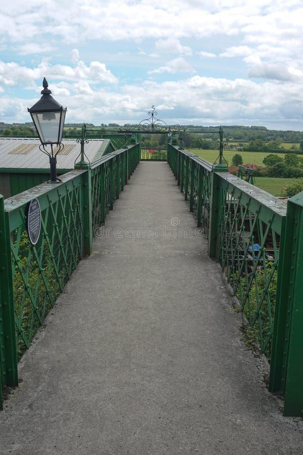 Ponte de estrada de ferro meados de do vapor de Hants fotografia de stock royalty free