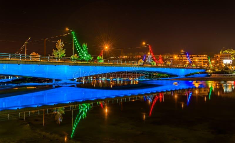 Ponte de Ferdowsi no rio de Zayanderud em Isfahan fotos de stock royalty free