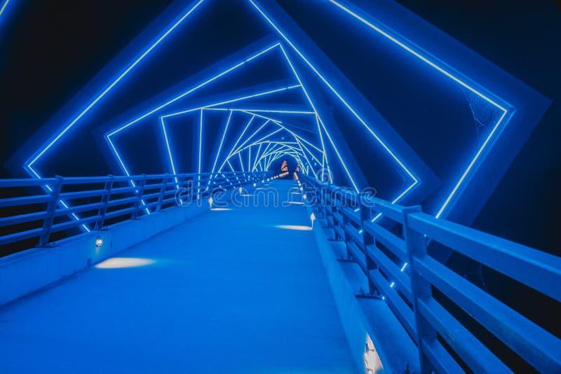 A ponte de fuga alta do cavalete em Boone, Iowa durante a noite foto de stock royalty free