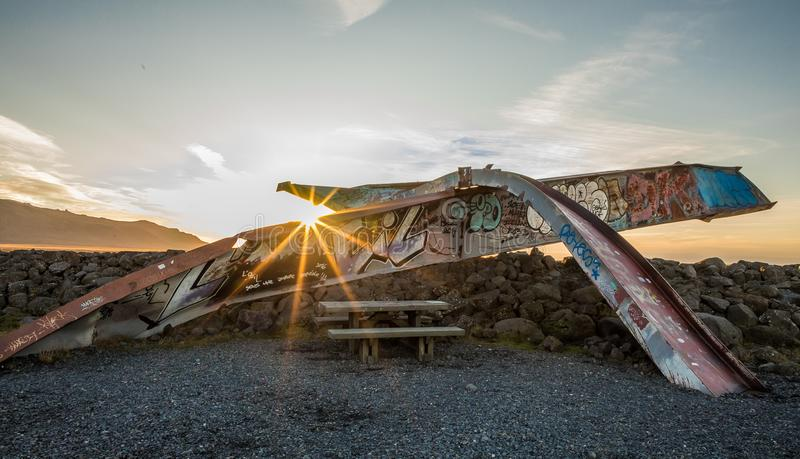 A ponte de Gigjukvisl permanece em 1996 da erupção vulcânica causada inundação, em Skeidararsandur, Islândia imagem de stock royalty free