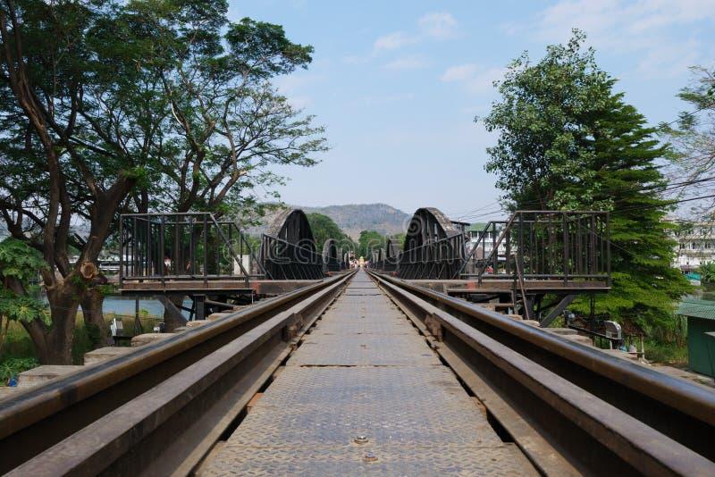 Ponte de Kwai do rio, Kanchanaburi, Tailândia imagens de stock
