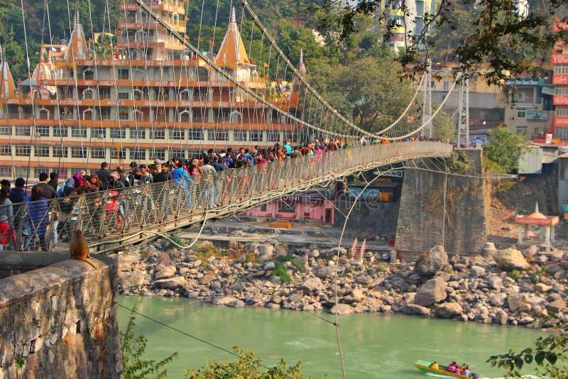Ponte de Lakshman Jhula, Rishikesh foto de stock