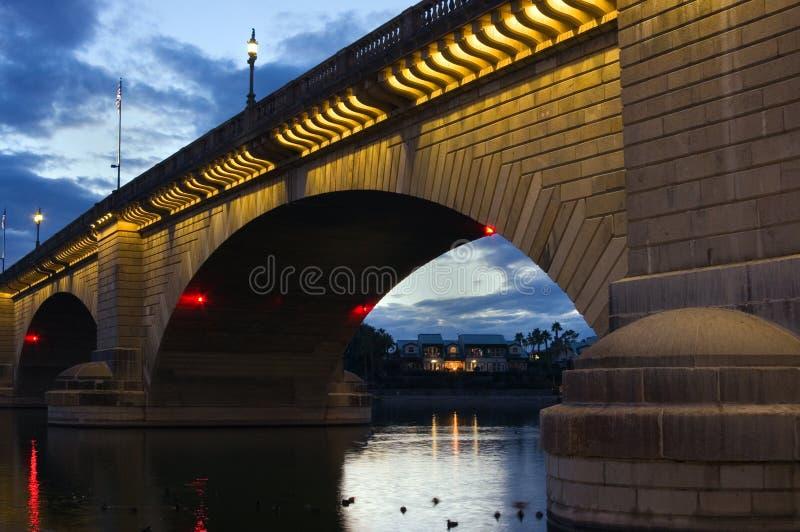 Ponte de Londres no por do sol imagens de stock