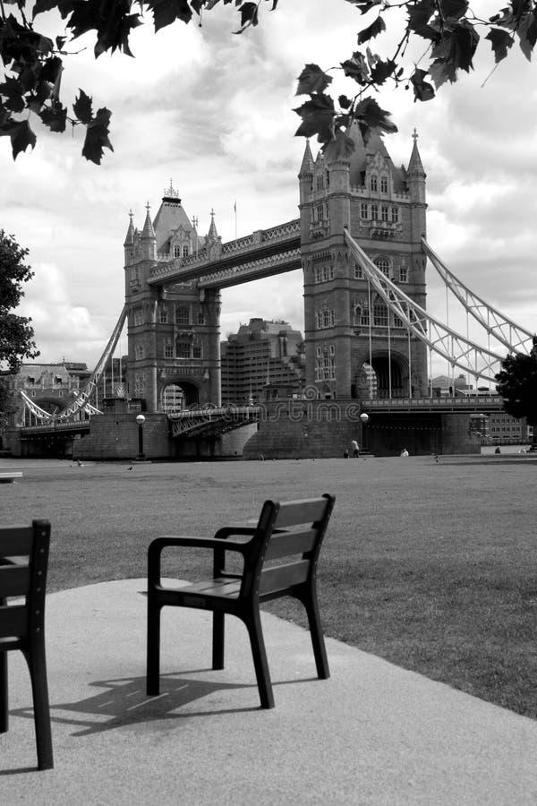 Ponte de Londres preto e branco imagens de stock royalty free
