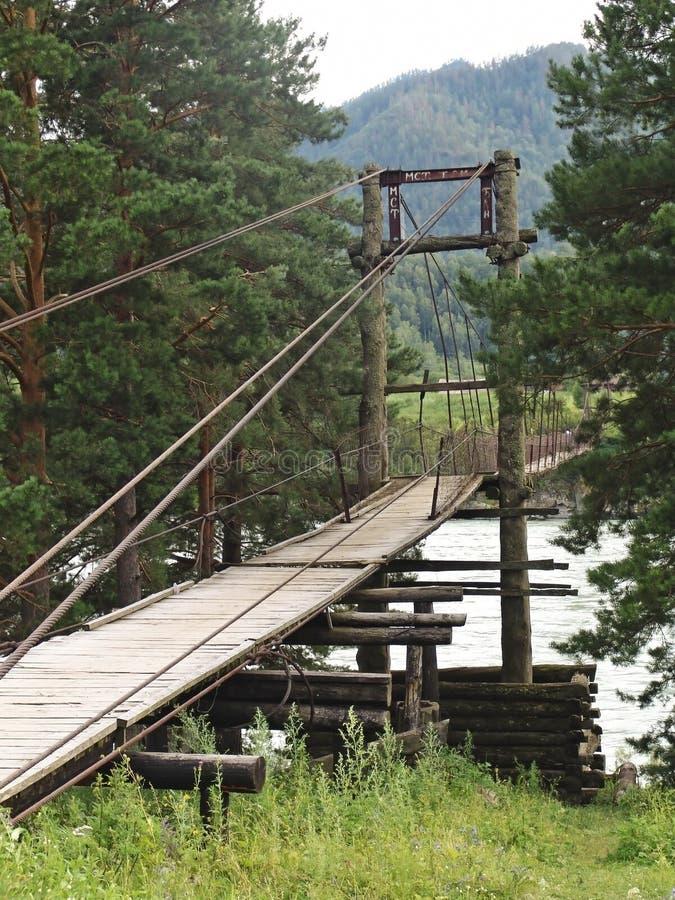 Download A ponte de madeira imagem de stock. Imagem de curso, historic - 12808759