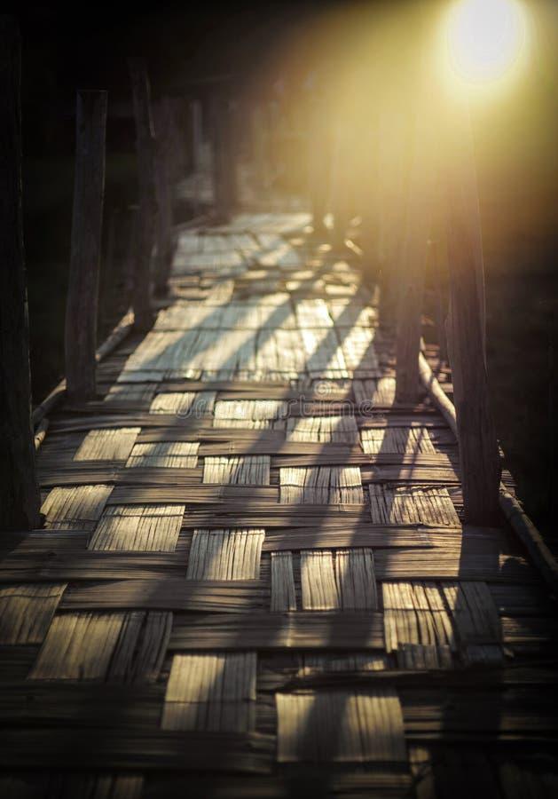 Ponte de madeira pequena fotografia de stock royalty free