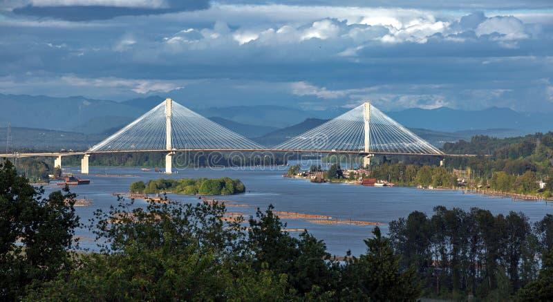 Ponte de Mann do porto através de Fraser River imagem de stock royalty free