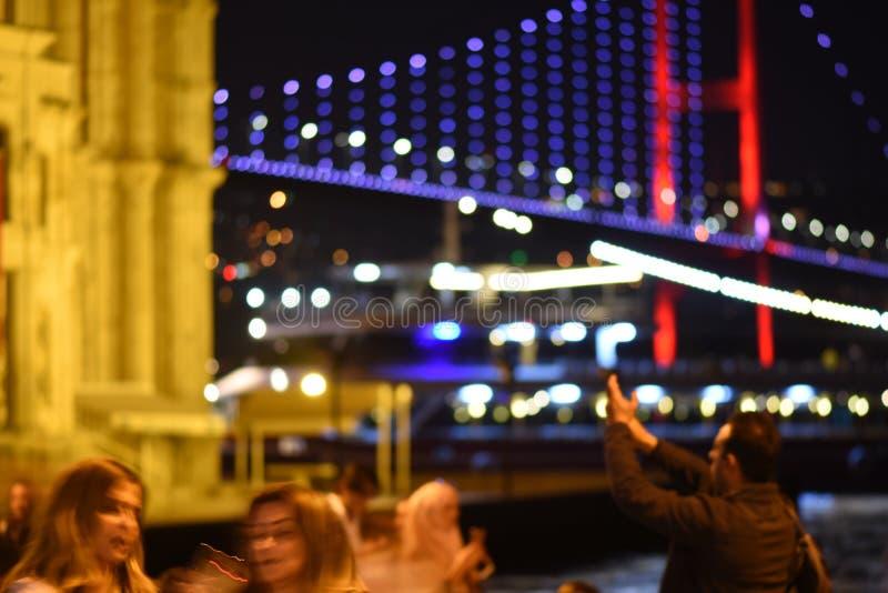 Ponte de Ortakoy Bosphorus, Istambul Bokeh imagem de stock