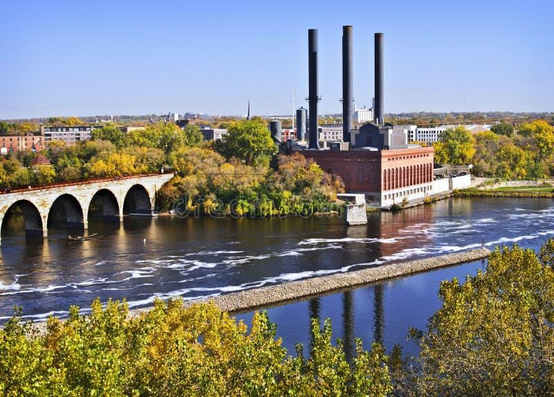 Ponte de pedra do arco, Minneapolis, Minnesota imagens de stock
