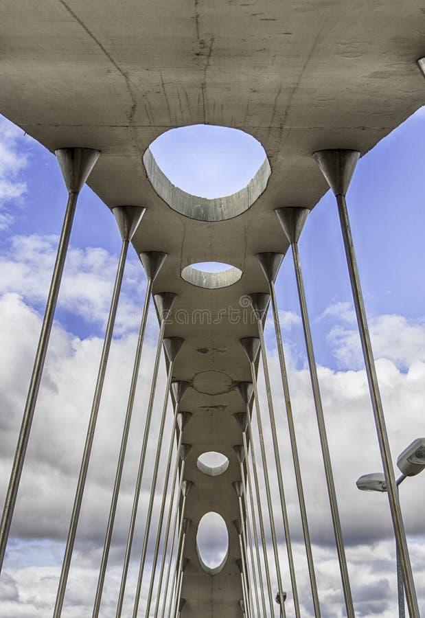 Ponte de pedra do céu foto de stock royalty free