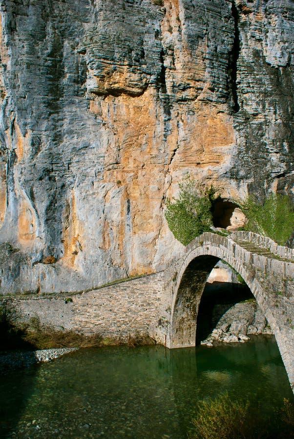 Ponte de pedra em Zagori fotos de stock
