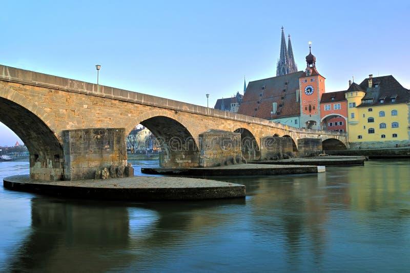 Ponte de pedra medieval, Regensburg fotos de stock royalty free