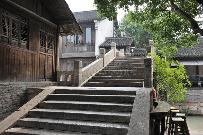 Ponte de pedra velha chinesa em Wuzhen imagens de stock royalty free