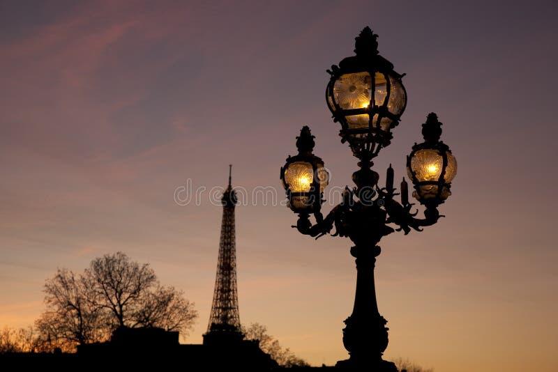 Ponte de Pont Alexandre III com a torre Eiffel fotos de stock royalty free