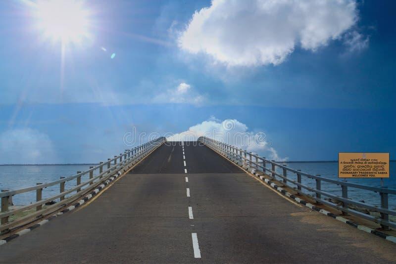 Ponte de Poonarin situada em Sri Lanka imagem de stock royalty free