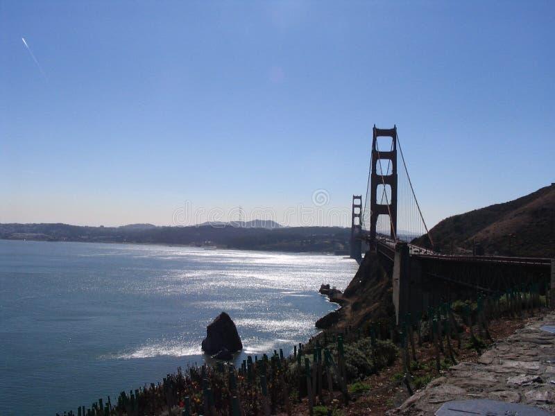 Ponte de porta dourada Backlit fotos de stock royalty free