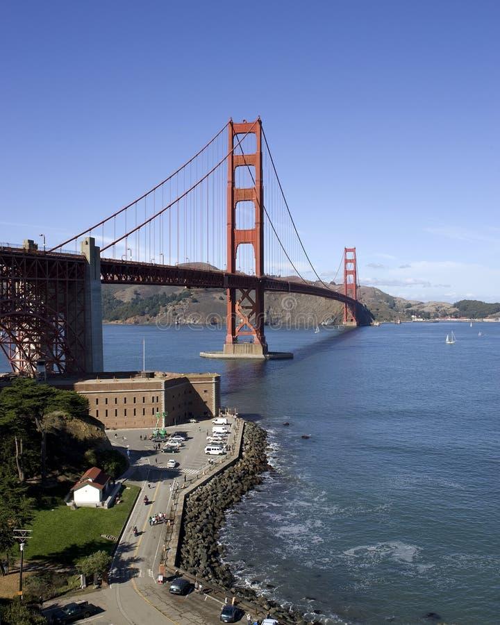 Ponte de porta dourada no ponto de San Francisco w/Fort imagem de stock royalty free