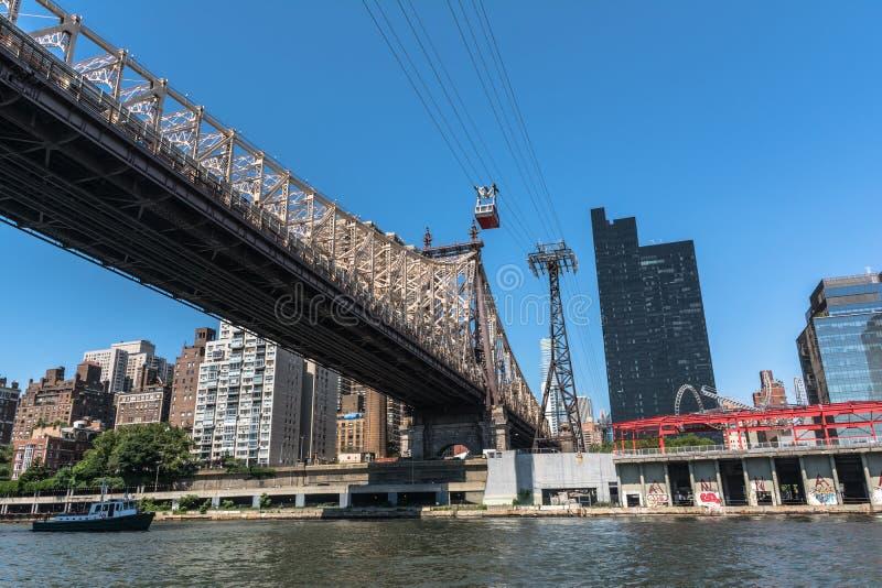 Ponte de Queensboro sobre o East River, Manhattan, NYC fotos de stock royalty free