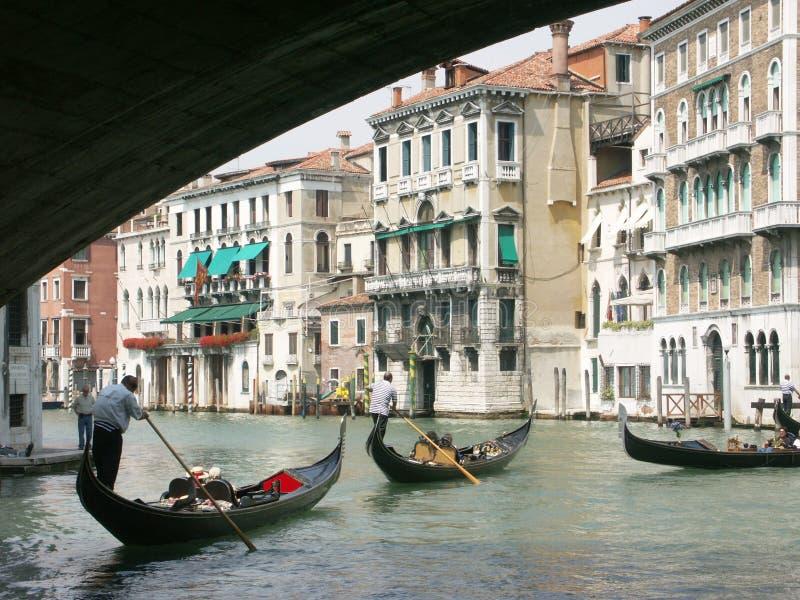 Ponte de Rialto e canal grande fotografia de stock royalty free