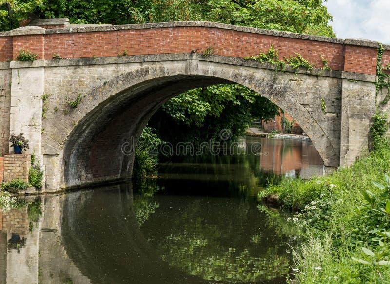 Ponte de Ryeford no canal de Stroudwater próximo a Stonehouse, Stroud, Gloucestershire fotos de stock