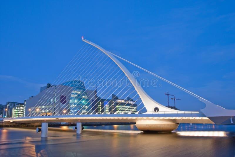 Download Ponte de Samuel Beckett imagem de stock editorial. Imagem de noite - 12804789