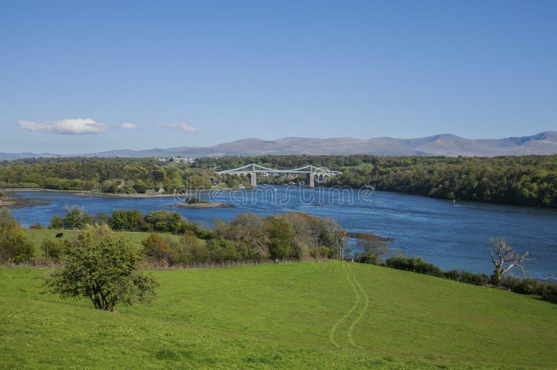 A ponte de suspensão de Menai, Gales fotografia de stock royalty free