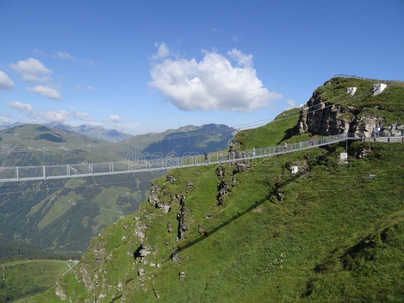 Ponte de suspensão, Stubnerkogel, Gastein mau, Áustria imagens de stock royalty free