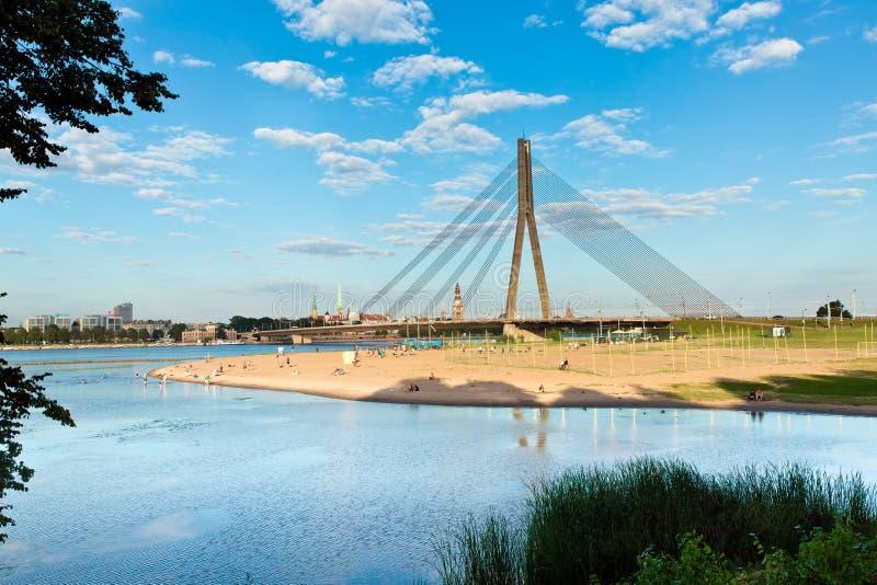 Ponte de Vansu em Riga imagem de stock