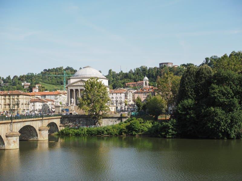 Ponte de Ponte Vittorio e igreja de Gran Madre em Turin fotografia de stock royalty free