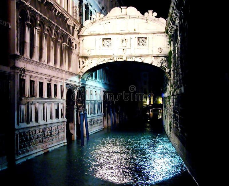 Ponte dei Sospiri bis zum Nacht lizenzfreie stockbilder