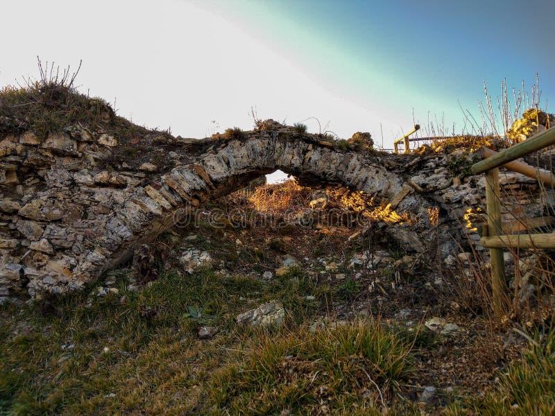Ponte del castello Fieschi immagine stock libera da diritti