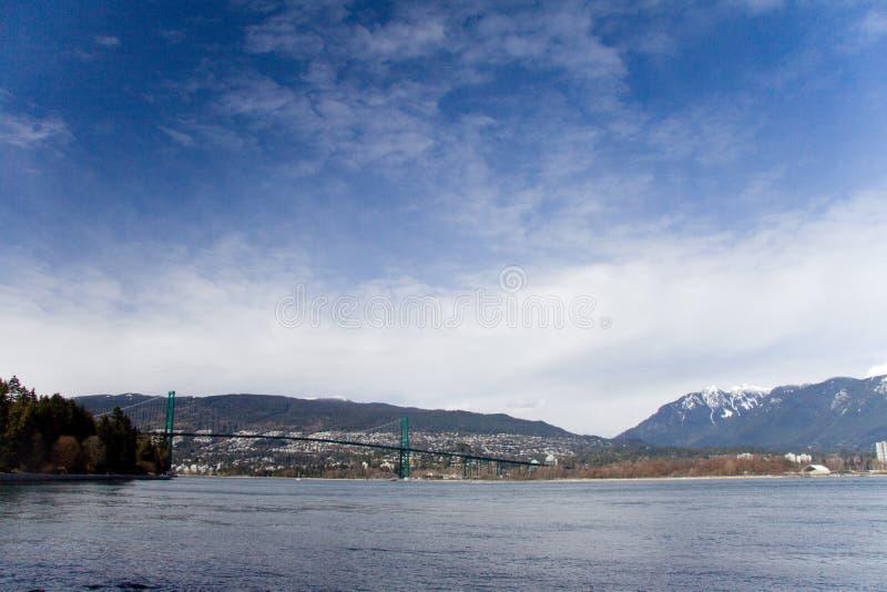 Ponte del portone dei leoni come visto da Stanley Park, Vancouver fotografia stock