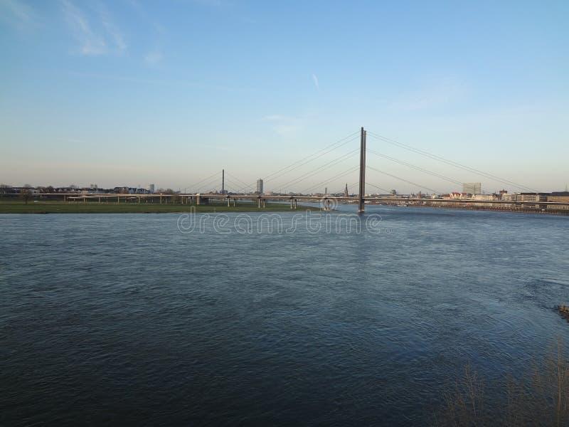 Ponte del Reno a Dusseldorf fotografia stock