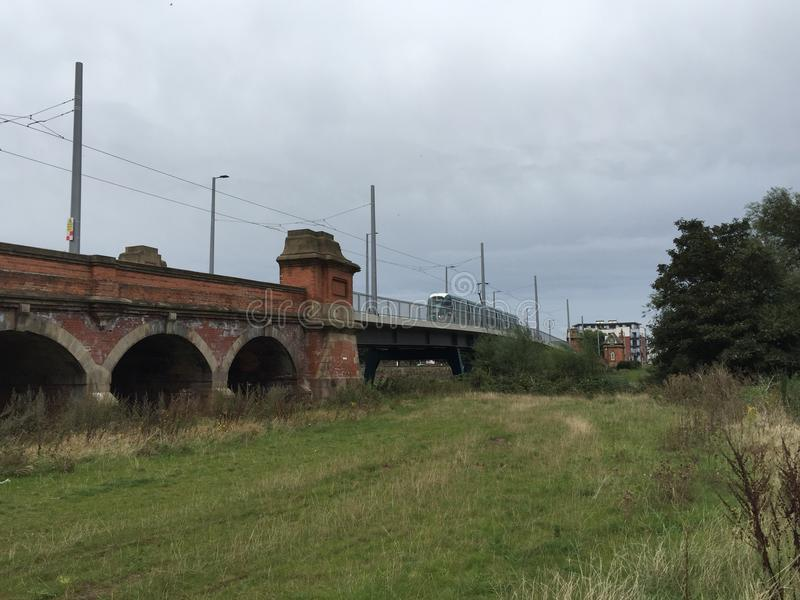 Ponte del tram di Wilford con il tram fotografia stock libera da diritti