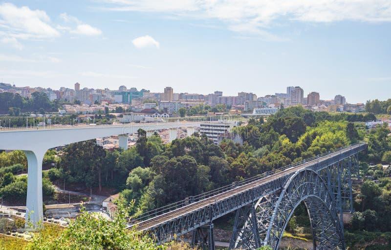 Ponte del treno di Maria Pia da Gustave Eiffel a Oporto Oporto immagine stock libera da diritti