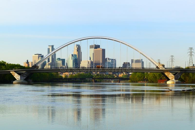 Ponte del viale di Lowry a Minneapolis fotografia stock