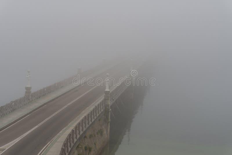 Ponte dell'isola di Toja della La fotografie stock