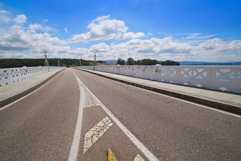Ponte dell'isola di Toja Toxa della La a Pontevedra della Galizia immagine stock